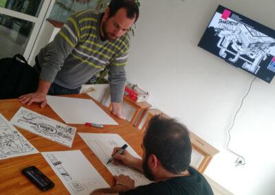 Marcos y Lucas trabajando